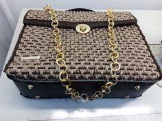 Diy Purse, Crochet Bags, Purses And Bags, Monogram, Michael Kors, Shoulder Bag, Wallet, Chain, Pattern