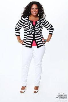 Ashley Stewart black & white striped sweater, lane bryant coral tank top, with Ashley Stewart white jeans. I don't own white jeans but this is cute. Looks Plus Size, Look Plus, Curvy Plus Size, Plus Size Women, How To Wear White Jeans, White Denim Jeans, Curvy Jeans, White Pants, Black Pants