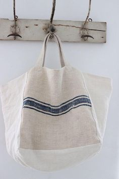 Nos hemos enamorado de este bolso de lino de ana & cuca http://15colgadasdeunapercha.com/2014/07/05/closet-musts-los-bolsos-de-ana-cuca/ We have fallen in love with this ana&cuca linen bag http://15colgadasdeunapercha.com/2014/07/05/closet-musts-los-bolsos-de-ana-cuca/