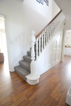 Stairs painted diy (Stairs ideas) Tags: How to Paint Stairs, Stairs painted art, painted stairs ideas, painted stairs ideas staircase makeover Stairs+painted+diy+staircase+makeover Painted Staircases, Painted Stairs, Bannister Ideas Painted, Wood Stairs, White Hallway, White Walls, Hall Carpet, Carpet Stairs, House Stairs