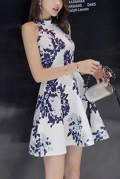 Compre Vestido Curto Rodado Estampado | UFashionShop Pretty Dresses, Beautiful Dresses, Business Look, Business Outfits, How To Look Classy, All About Fashion, New Trends, Artsy Photos, Korean Fashion