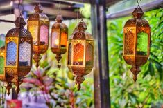 Bohemian home inspiration is for those you love to fill there homes with life, culture and travel memories. A touch of color and hippie vibes Moroccan Lanterns, Moroccan Decor, Beautiful Space, Simply Beautiful, Koh Chang, Hippie Vibes, Bohemian Jewellery, Bohemian House, Boho Girl