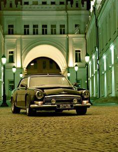 2001 Volga Gaz V12 coupé (based on BMW 850i)