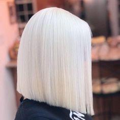 Shop space platinum hair dye Cream here🔽 Professional Hair Dye, Professional Hairstyles, White Blonde Hair, Platinum Blonde Hair, Short White Hair, Brown Blonde, Silver Hair, Gorgeous Hair, Hair Looks