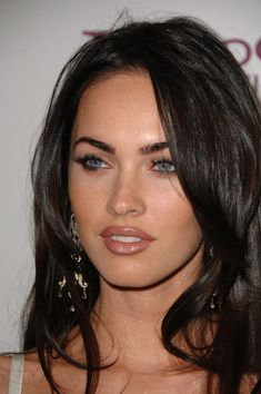 So we all know by now that Megan Fox will be playing April in the upcoming Teenage Mutant. Megan Fox As April (With Red Hair) Megan Fox Fotos, Megan Denise Fox, Megan Fox 2007, Megan Fox Makeup, Megan Fox Lips, Megan Fox Eyebrows, Red Eyebrows, Megan Fox Pictures, Actrices Sexy