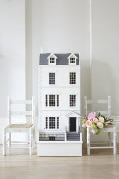 This Knightsbridge Townhouse is the perfect luxury doll's house as an heirloom piece. Handmade and personalised for your child's name on the front. Kids Decor, Home Decor, Miniature Houses, Elegant Homes, Kid Spaces, Dollhouse Furniture, Diy Furniture, Little Houses, Kids Bedroom