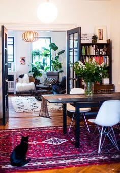 sillas + mesa + alfombra