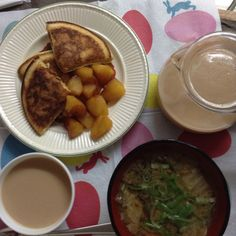 2014.12 Pancake, Apple compote & miso soup リンゴの甘煮とホットケーキ、味噌汁