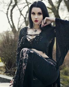 Hot Goth Girls, Gothic Girls, Goth Beauty, Dark Beauty, Steampunk, Dark Fashion, Gothic Fashion, Goth Chic, Gothic Culture