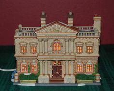 """DEPT 56 Dickens' Christmas """"HICKMAN WELLS GENTLEMEN'S CLUB""""  #58743 Retired NIB"""