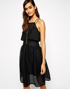 Buy Self Portrait Cropped Overlay Dress In Sculpted Mesh at ASOS. Get the latest trends with ASOS now. Fashion Beauty, Girl Fashion, Fashion Looks, Fashion Outfits, Casual Outfits, Self Portrait Clothing, Dress Skirt, Dress Up, Tulip Skirt