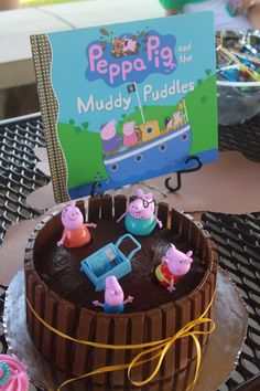 Peppa Pig Birthday Cake