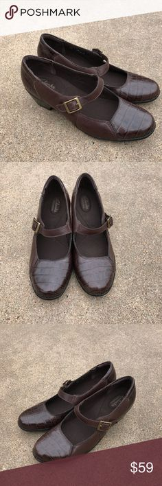 Clarks Women's Shoes Croc Mary Janes Pumps Heels Lovely Clarks bendables women's shoes brown patent croc leather Mary Janes pumps heels Size 9.5M 0751 Condition. Pre-owned, like-new, light wear, scratches, never used. Clarks Shoes Heels