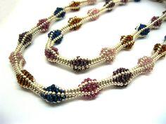 Colliers - Glasperlen Halskette bunt lang - ein Designerstück von NataKoma bei DaWanda Seed Bead Necklace, Seed Bead Jewelry, Bead Jewellery, Seed Beads, Beaded Jewelry, Beaded Necklace, Beaded Bracelets, Necklaces, Choker