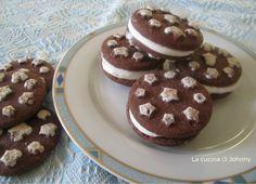 Mini gelato con biscotto - Ricetta facile senza gelatiera http://blog.giallozafferano.it/lacucinadijohnny/mini-gelato-al-biscotto-ricetta-facile-senza-gelatiera/