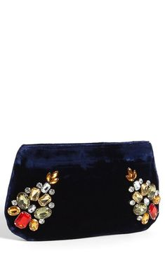 A perfect bridesmaid gift: glam velvet clutch