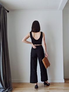 Get on trend with sailor pants and wide leg trousers, and see how to style them for spring! 7 combos featuring ethical, sustainable brands and styling tips. Office Outfits, Casual Outfits, Mode Monochrome, Old T Shirts, Wide Leg Trousers, Striped Tee, Fashion Beauty, Women's Fashion, Style Guides