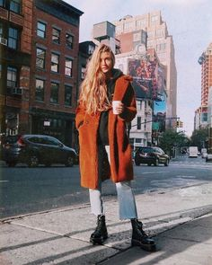 5 French Girls and Their Winter Outfit Ideas ❀ ig: emily_morais ❀ The post 5 französische Mädchen und ihre Winter-Outfit-Ideen & *in sensu capere appeared first on Galia Sto. Winter Outfits For Teen Girls, Fall Winter Outfits, Autumn Winter Fashion, Winter Clothes, Grunge Winter Outfits, Hipster Fall Outfits, Snow Clothes, Winter Grunge, Casual Outfits