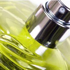 Recette de Spray atmosphérique assainissant et purifiant aux huiles essentielles - lca-aroma