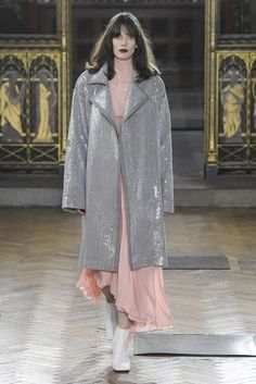 Sharon Wauchob Autumn/Winter 2017 Ready-to-wear Collection | British Vogue