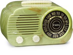 A Fada 845 green Catalin radio, c.1946