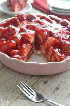 Strawberry pie with fresh strawberries mounded high in a rich, buttery crust. The perfect summer dessert recipe, and seriously the best strawberry pie recipe! Summer Dessert Recipes, Just Desserts, Delicious Desserts, Yummy Food, Best Strawberry Pie Recipe, Fresh Strawberry Pie, Strawberry Jello, Jell O, Comfort Food