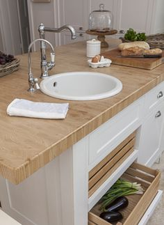 Garden and Home   Choosing the perfect kitchen style: Country