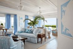 Ellen Kavanaugh has been practicing interior design in Palm Beach for more than 10 years. Her style is versatile and emphasizes crisp color palettes, comfortable textures, and individual aesthetic. With every project, Ellen aspires to marry architecture and interiors by selecting distinct finishes, designing custom details, and sourcing unique furnishings. Palm Beach Florida, Beach Design, Commercial Flooring, Tropical Style, Southern Homes, Rugs On Carpet, Gallery Wall, Living Room, Interior Design