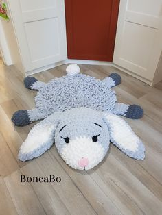 Besten 6 Stricken : Soft Bunny rug for children. Сrochet white gray rabbit mat in the nursery. Hare for gift on Baby Shower, Birthday, foto prop for Christmas Crochet Animals, Crochet Toys, Crochet Baby, Crochet Sheep, Crochet Pattern, Arm Crocheting, Accessoires Photo, Animal Rug, Childrens Rugs