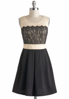 Found the black version of the cream and coral dress I bought from a boutique on Modcloth...I want eeet!!