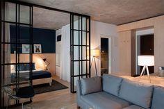 9-apartamento-quarto-divisória-vidro-e-cortina