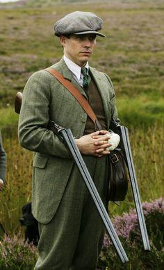 Thomas Barrow loading for his Lordship | season V Christmas Special