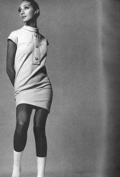 Marisa Berenson.  Photo by Richard Avedon.  Vogue, February 1968.