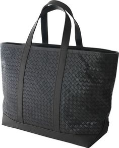 Our workhorse tote, named after our favorite hotel, The Standard, a downtown luxe oasis and the most comfortable beds in the city!Exterior:- Hand-woven leather- Nickel hardware- Vegetable tanned straps & bottomInterior:- Heavyweight 100% un-dyed cotton canvas lining- Removable woven leather pouch- Reinforced and padded bottom.Size: 23″ W x 14″ H x 8″ DMade in Italy & USA