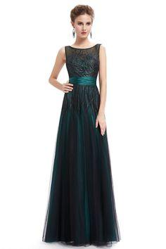 Luxusní šaty se síťovaným živůtkem a lahvově zelenou krajkou s výšivkou. Lehce vyztužená oblast prsou - lze nosit bez podprsenky. Vzadu na zip. Vel. UK18/46: prsa: 112cm, pas/pod prsy: 96 cm, boky: 132cm , délka: 150cm. Materiál: krajka a satén.