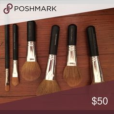 Bare Minerals Brush Set 2 foundation / 2 blush / concealer / eyeshadow primer brush. I like to use one main set for home and one to take with me - that's why there's two of the main brushes! bareMinerals Makeup Brushes & Tools