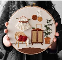 Embroidery Hoop Decor, Diy Embroidery Patterns, Embroidery Stitches Tutorial, Flower Embroidery Designs, Creative Embroidery, Simple Embroidery, Hand Embroidery Stitches, Modern Embroidery, Ribbon Embroidery