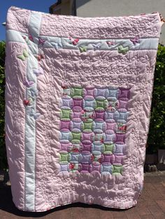 Butterflies in love - Ladies Quilt #CharmingQuiltCompany - butteflies, longarm quilted, applique, orange peel Lady, Diaper Bag, Applique, Quilts, Blanket, Orange, Shadow Play, Games, Quilt Sets