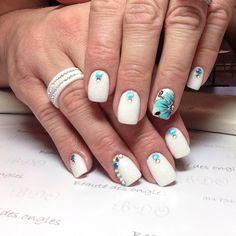Résine et poudre, dessins fait à la main  Beauté des ongles - Mascouche
