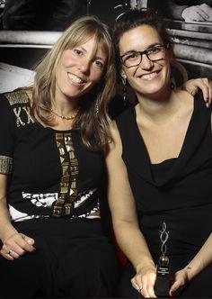 Directeur van Moneypenny, Marianne Sturman (l) samen met winnares van de Virtuele Assistent 2012 award Céline Vroman