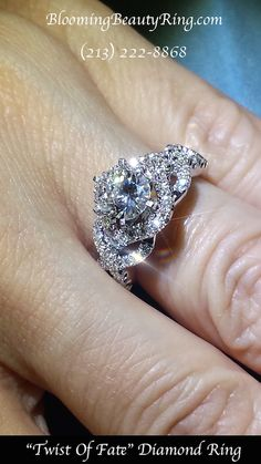 Check out teardrop rings 3 Stone Diamond Ring, Diamond Wedding Rings, Dream Engagement Rings, Designer Engagement Rings, Color Ring, Bridal Rings, Beautiful Rings, Ring Designs, Jewels