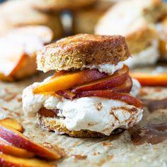 Keto Peaches (& Cream!) Shortcake 🍑 New Dessert Recipe, Dessert Recipes, Gluten Free Peach, Low Carb Deserts, Keto Cake, Grass Fed Butter, Keto Cookies, Gluten Free Baking, Desert Recipes