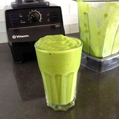 Copycat {@Whole Foods Market} Tropical Green Smoothie Recipe.