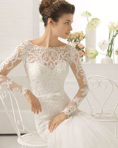 Beaded tulle and lace wedding gown. Aire Barcelona 2017 Collection.