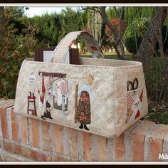 Quilt me Club 2014 – La cesta Sewing Caddy, Sewing Box, Love Sewing, Patchwork Bags, Quilted Bag, Quilting Projects, Sewing Projects, Little Presents, Sewing Baskets