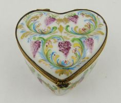 ANTIQUE French HEART Gilt Porcelain LIMOGES Trinket JEWELRY EGG Pill BOX France