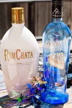 Confetti is a fun shooter that goes down smooth and has Rum Chata and cake vodka. Happy Wednesday everyone! It's Day 3 of my Cake Vodka Drinks, Cake Vodka Recipes, Rumchata Recipes, Vodka Shots, Alcohol Drink Recipes, Margarita Recipes, Rumchata Cocktails, Cocktail Drinks, Fun Drinks