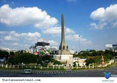 Thái Lan có rất nhiều địa điểm du lịch tuyệt vời, các thành phố biển, các đảo nổi tiếng. ... Video này là sự cô đọng các địa danh đẹp của Thái Lan đồng thời dưới góc quay của du khách nên bạn hoàn toàn thấy quen thuộc với góc nhìn người đi du lịch ...... Xem thêm: http://thailansensetravel.com/mot-ngay-o-thai-lan-ny.html
