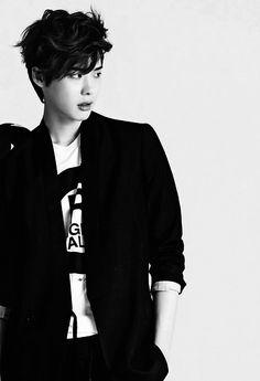 Lee Jong Suk looks like he could be a indie singer-songwriter-ess. Lee Jong Suk, Jung Suk, Lee Jung, Korean Male Actors, Korean Celebrities, Asian Actors, Korean Star, Korean Men, Taemin