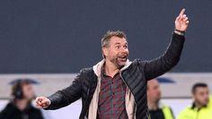 Für Trainer Bernd Hollerbach und die Würzburger Kickers geht es hoch in die 2. Bundesliga !!  ... nur der HSV !!